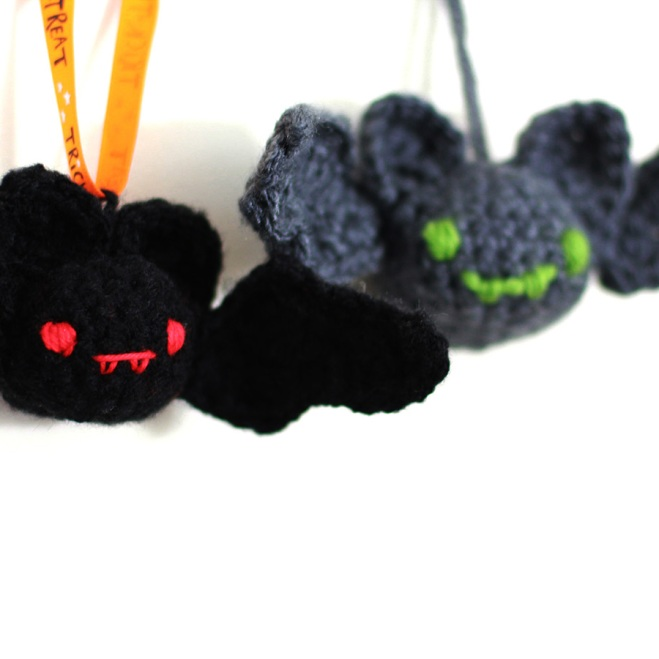Halloween Bat - free crochet pattern by DORIYUMI