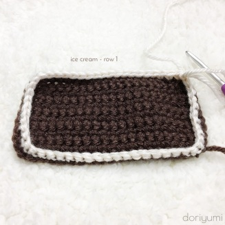 Vanilla Ice Cream Sandwich - Free Crochet Pattern by Doriyumi